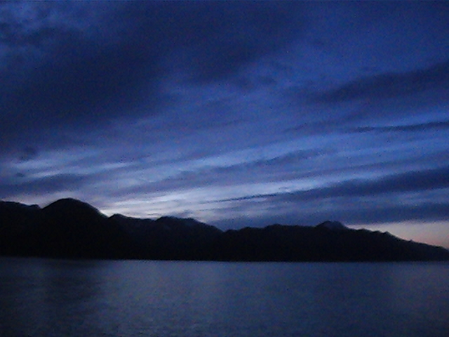 01_sunrise_near_hubbard_glacier_01