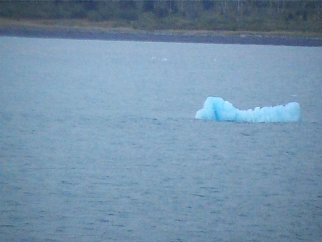 74_icebergs_near_hubbard_glacier_03