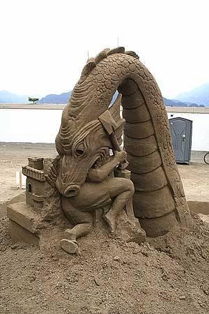 Sand_sculpture_02
